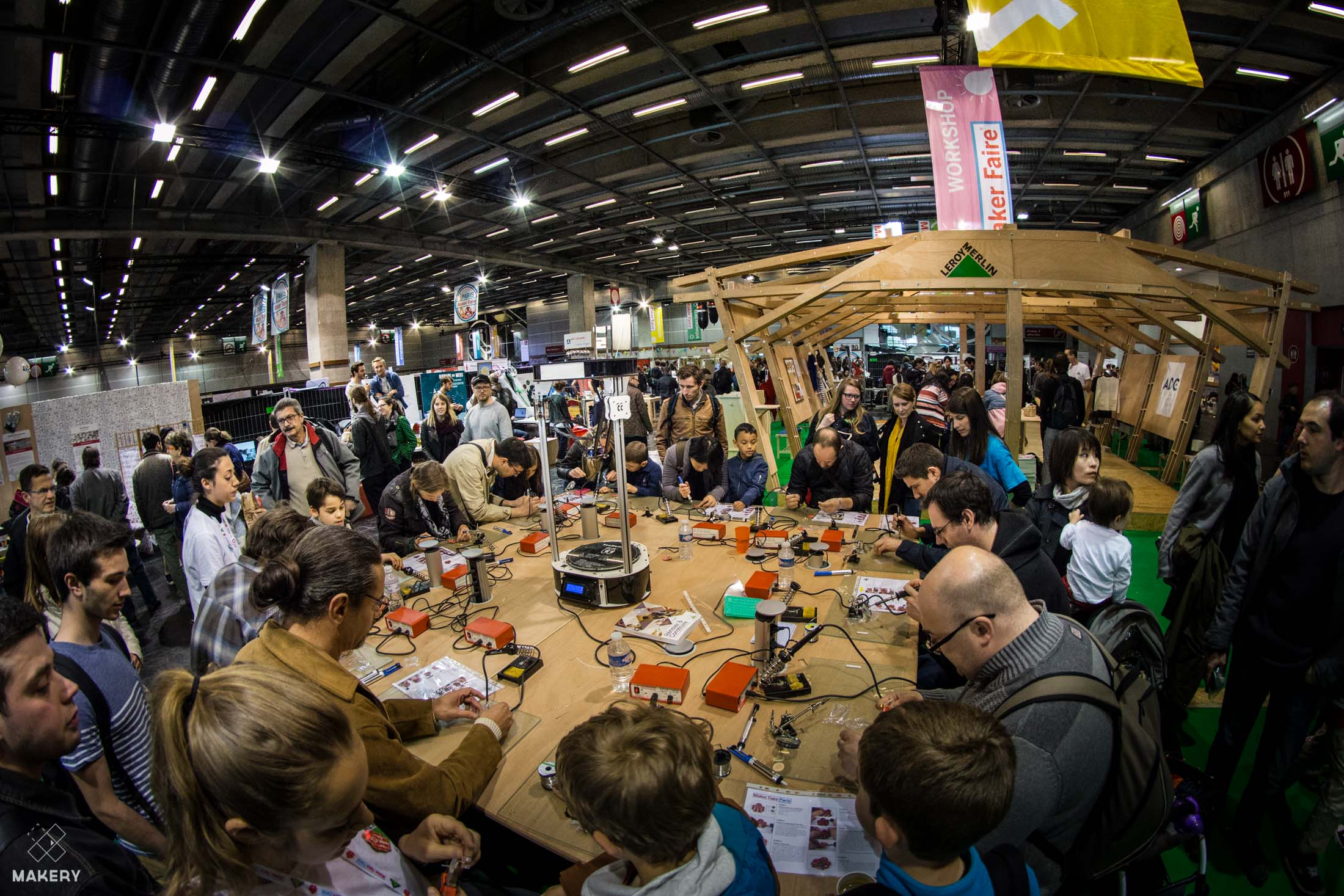 Photo reportage of the 2016 paris maker faire makery for Le roy merlin paris