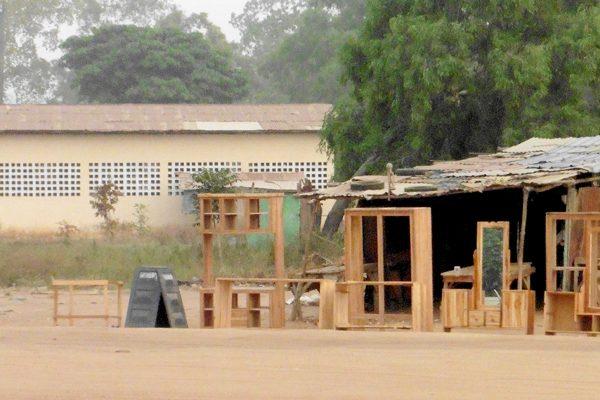 Atelier de menuiserie au Togo, futur lieu d'expérimentation pour Termatière? © Caroline Grellier