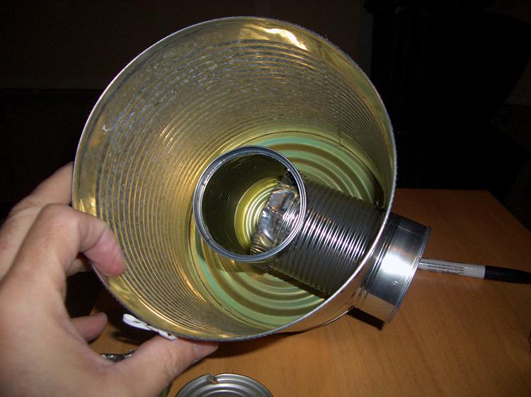 Fabriquer un rocket stove le po le qui ne consomme - Grosse boite de conserve ...